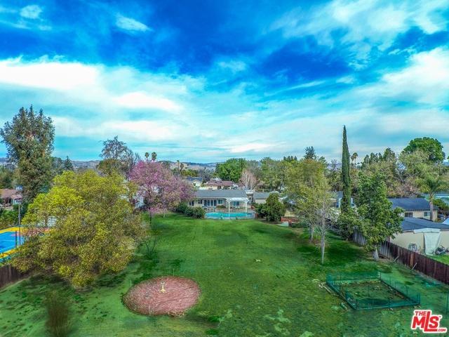 22700 Calvert Street, Woodland Hills, CA 91367 (MLS #18321066) :: The John Jay Group - Bennion Deville Homes