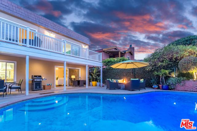 7825 W 83rd Street, Playa Del Rey, CA 90293 (MLS #18321538) :: The John Jay Group - Bennion Deville Homes