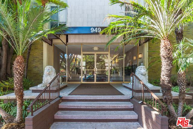 949 N Kings Road #403, West Hollywood, CA 90069 (MLS #18321862) :: The John Jay Group - Bennion Deville Homes