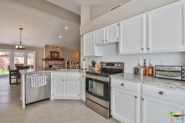 52195 Avenida Alvarado, La Quinta, CA 92253 (MLS #18322088PS) :: Brad Schmett Real Estate Group