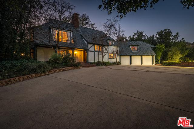 12127 Iredell Street, Studio City, CA 91604 (MLS #18322262) :: The John Jay Group - Bennion Deville Homes
