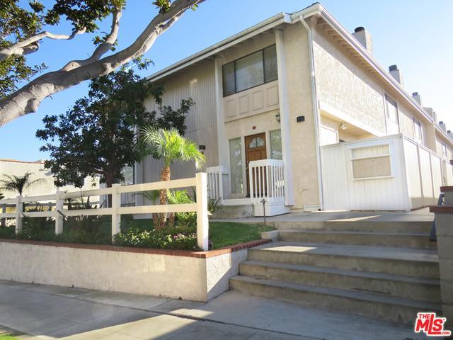 108 S Irena Avenue E, Redondo Beach, CA 90277 (MLS #18322334) :: The John Jay Group - Bennion Deville Homes