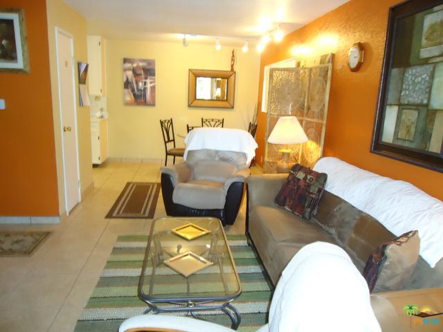 2812 N Auburn Court F200, Palm Springs, CA 92262 (MLS #18322438PS) :: The John Jay Group - Bennion Deville Homes