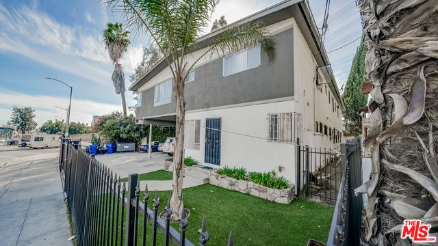1809-1/2 N Bronson Avenue, Los Angeles (City), CA 90028 (MLS #18323042) :: The John Jay Group - Bennion Deville Homes
