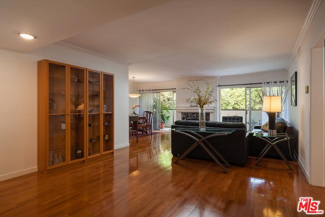 949 N Kings Road #306, West Hollywood, CA 90069 (MLS #18323162) :: The John Jay Group - Bennion Deville Homes