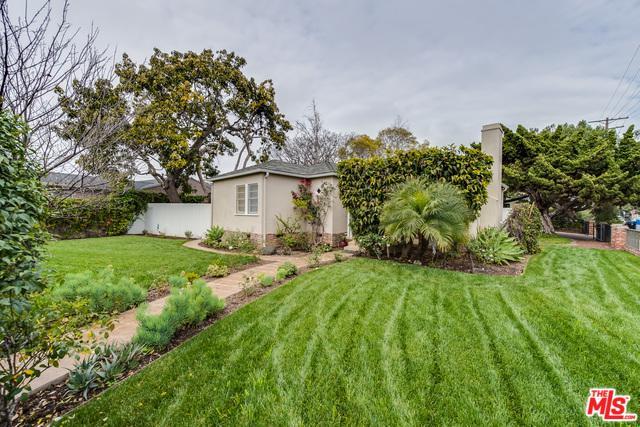 4292 Grand View, Mar Vista, CA 90066 (MLS #18323444) :: The John Jay Group - Bennion Deville Homes