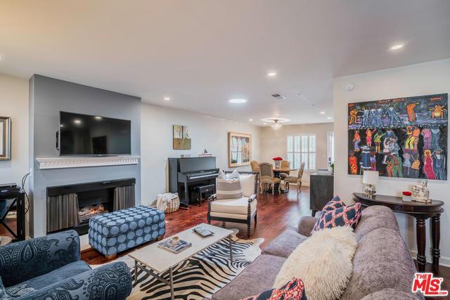 11181 Aqua Vista Street, Studio City, CA 91602 (MLS #18323484) :: The John Jay Group - Bennion Deville Homes