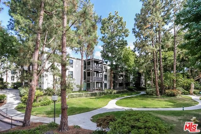 7742 Redlands Street H3025, Playa Del Rey, CA 90293 (MLS #18323522) :: The John Jay Group - Bennion Deville Homes