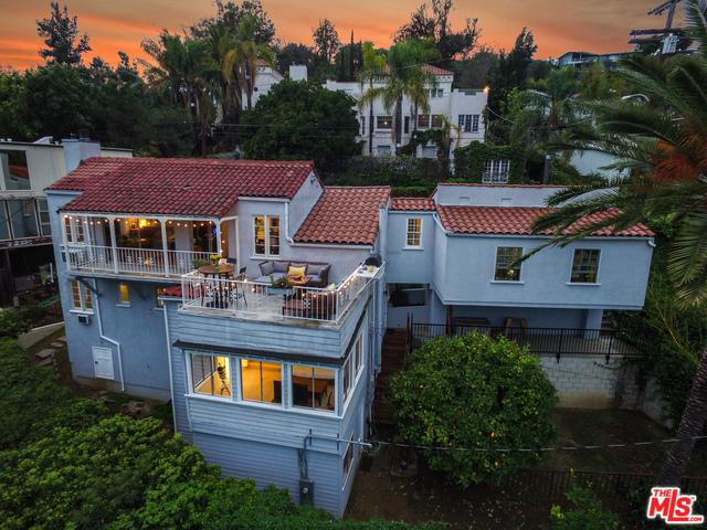 2286 Vasanta Way, Los Angeles (City), CA 90068 (MLS #18323626) :: The John Jay Group - Bennion Deville Homes