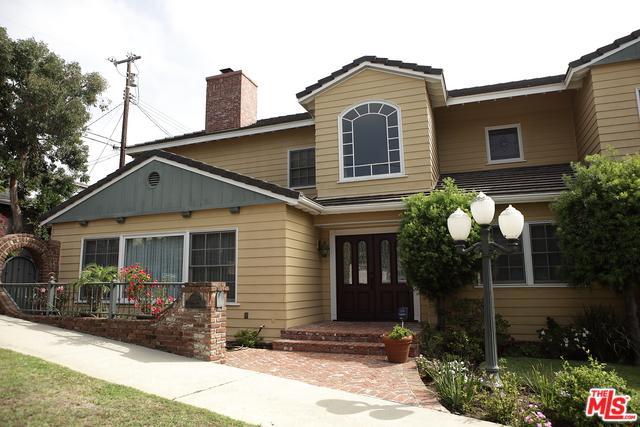 8120 Saran Drive, Playa Del Rey, CA 90293 (MLS #18323834) :: The John Jay Group - Bennion Deville Homes