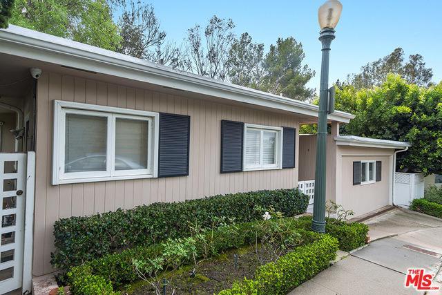 547 Cashmere Terrace, Los Angeles (City), CA 90049 (MLS #18323852) :: The John Jay Group - Bennion Deville Homes