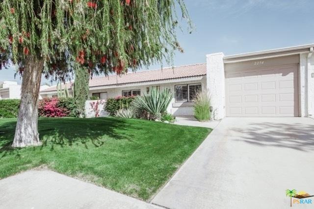 2254 N Sunshine Circle, Palm Springs, CA 92264 (MLS #18324014PS) :: Team Wasserman