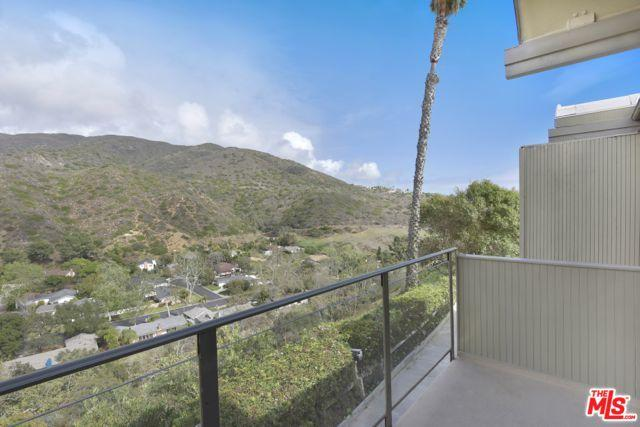 6208 Tapia Drive B, Malibu, CA 90265 (MLS #18324160) :: The John Jay Group - Bennion Deville Homes