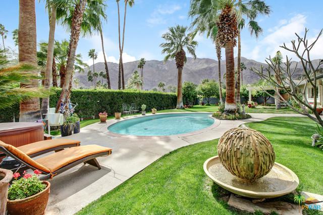 299 Vereda Norte, Palm Springs, CA 92262 (MLS #18324220PS) :: The John Jay Group - Bennion Deville Homes