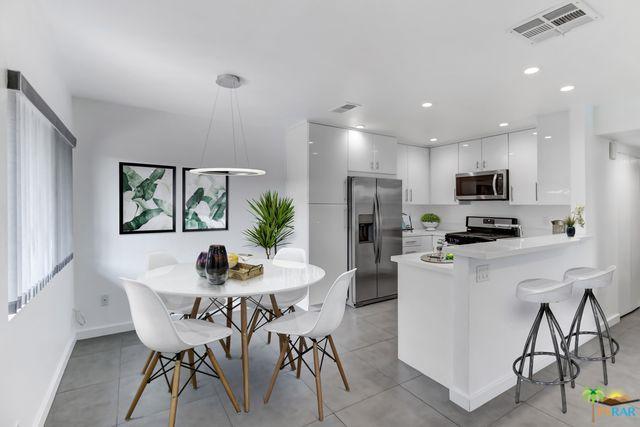 1111 E Ramon Road #21, Palm Springs, CA 92264 (MLS #18324502PS) :: Brad Schmett Real Estate Group
