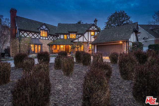 15436 Valley Vista, Sherman Oaks, CA 91403 (MLS #18324712) :: The Jelmberg Team