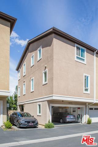 14685-1/2 Sherman Way 1/2, Van Nuys, CA 91405 (MLS #18325098) :: The John Jay Group - Bennion Deville Homes