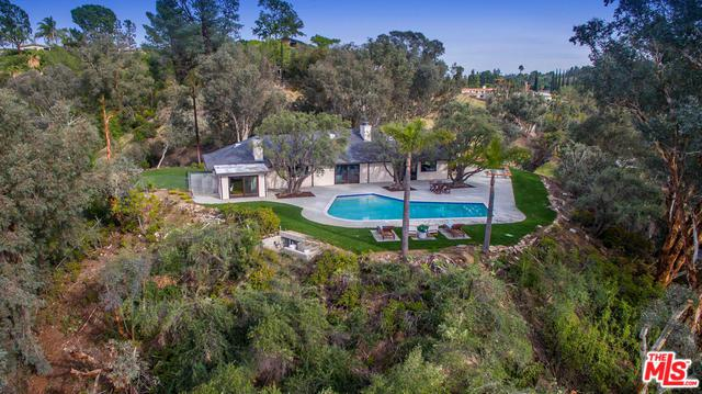 5156 Dumont Place, Woodland Hills, CA 91364 (MLS #18325202) :: The John Jay Group - Bennion Deville Homes