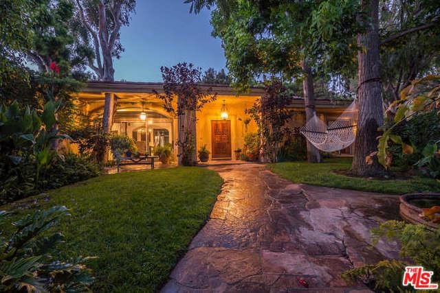 17955 Seabreeze Drive, Pacific Palisades, CA 90272 (MLS #18325468) :: The John Jay Group - Bennion Deville Homes