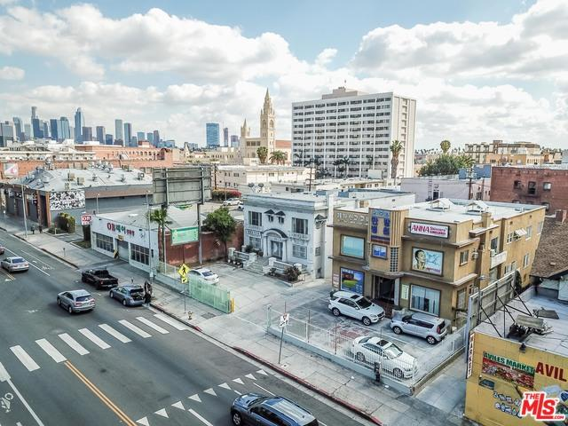 3050 W 7th Street, Los Angeles (City), CA 90005 (MLS #18325754) :: The John Jay Group - Bennion Deville Homes