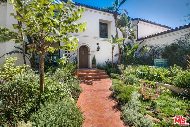 3842 Carnavon Way, Los Angeles (City), CA 90027 (MLS #18325984) :: The John Jay Group - Bennion Deville Homes