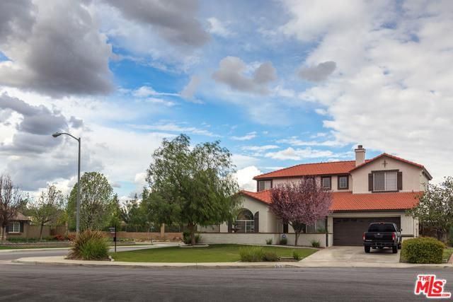 5510 Dock Side Ct, Bakersfield, CA 93312 (MLS #18326438) :: The John Jay Group - Bennion Deville Homes