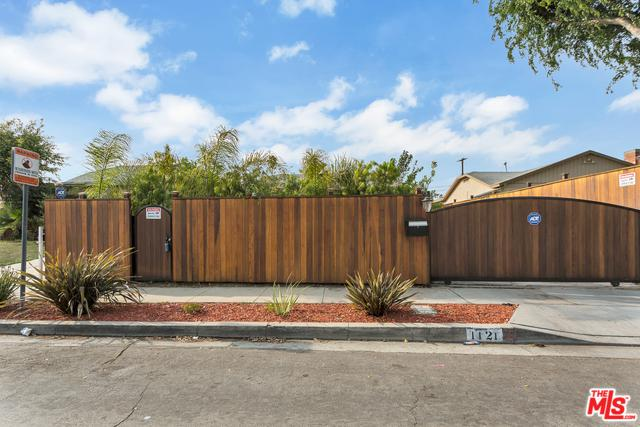 1121 E 67th Street, Inglewood, CA 90302 (MLS #18329148) :: The John Jay Group - Bennion Deville Homes