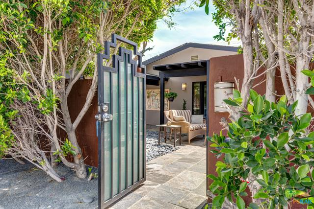 1265 E Tachevah Drive, Palm Springs, CA 92262 (MLS #18329160PS) :: The John Jay Group - Bennion Deville Homes