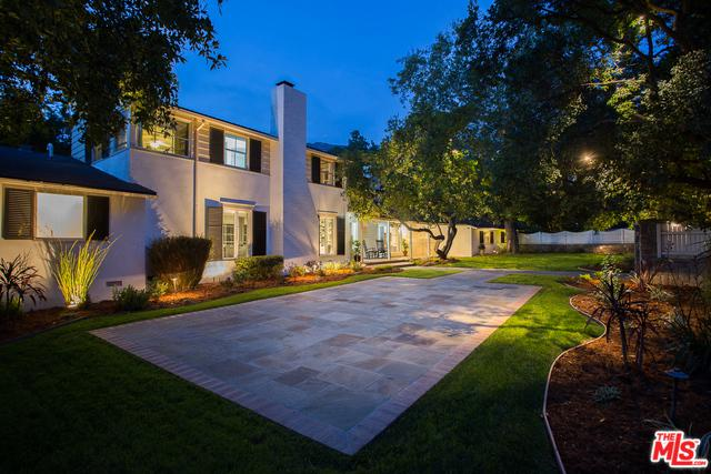 1605 Valley View Road, Glendale, CA 91202 (MLS #18329600) :: The John Jay Group - Bennion Deville Homes