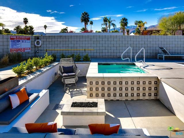 588 E San Lorenzo Road #205, Palm Springs, CA 92264 (MLS #18330690PS) :: Deirdre Coit and Associates