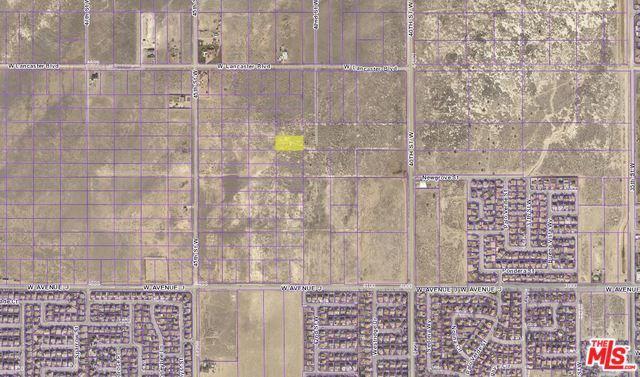 0 Vac/42Nd Stw/Vic Lumber Street, Lancaster, CA 93535 (MLS #18330830) :: The John Jay Group - Bennion Deville Homes