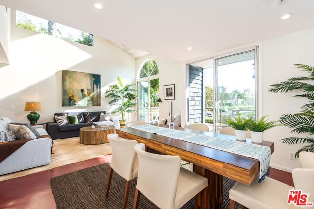 469 Sherman Ave, Venice, CA 90291 (MLS #18332182) :: The John Jay Group - Bennion Deville Homes