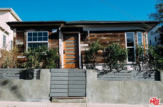 1328 S Cochran Avenue, Los Angeles (City), CA 90019 (MLS #18332264) :: The John Jay Group - Bennion Deville Homes