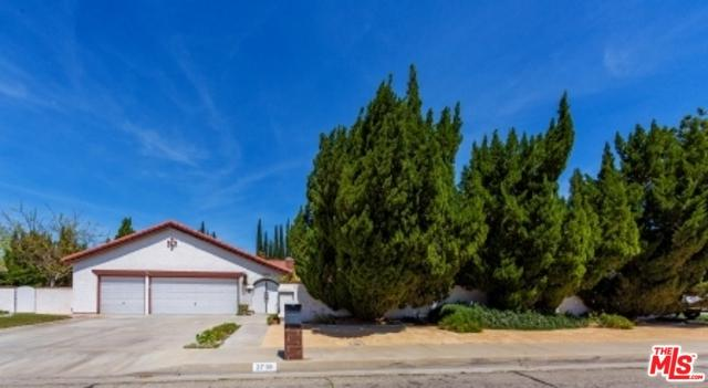 2739 Parton Circle, Lancaster, CA 93536 (MLS #18332290) :: The John Jay Group - Bennion Deville Homes