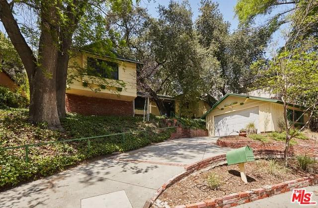 2807 E Chevy Chase Drive, Glendale, CA 91206 (MLS #18332728) :: The John Jay Group - Bennion Deville Homes
