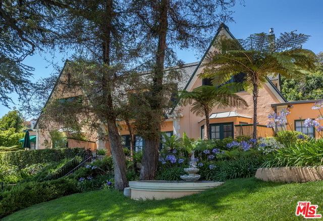 1954 Hillcrest Road, Los Angeles (City), CA 90068 (MLS #18333770) :: The John Jay Group - Bennion Deville Homes