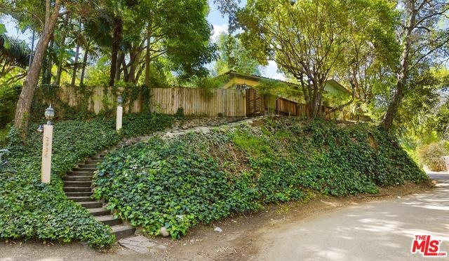 2936 La Castana Drive, Los Angeles (City), CA 90046 (MLS #18334098) :: The John Jay Group - Bennion Deville Homes