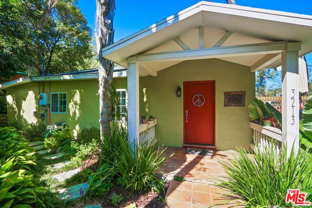 3213 Future Street, Los Angeles (City), CA 90065 (MLS #18334126) :: The John Jay Group - Bennion Deville Homes