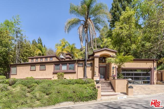 2725 Ellison Drive, Beverly Hills, CA 90210 (MLS #18334182) :: The John Jay Group - Bennion Deville Homes
