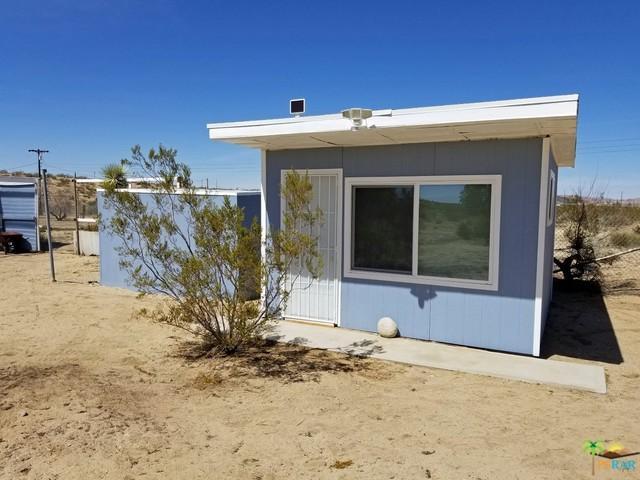 57616 Reche Road, Landers, CA 92285 (MLS #18334382PS) :: The John Jay Group - Bennion Deville Homes