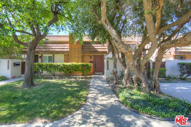 10324 Larwin Avenue, Chatsworth, CA 91311 (MLS #18335016) :: Deirdre Coit and Associates