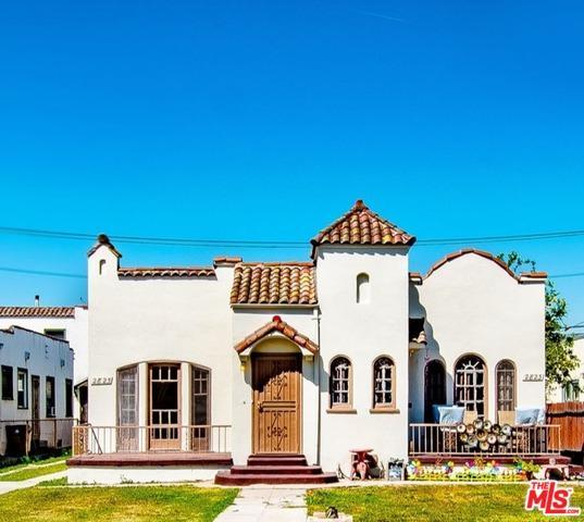 2823 S Bronson Avenue, Los Angeles (City), CA 90018 (MLS #18335610) :: The John Jay Group - Bennion Deville Homes