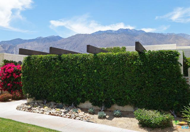 462 N Hermosa Drive, Palm Springs, CA 92262 (MLS #18335782PS) :: Deirdre Coit and Associates