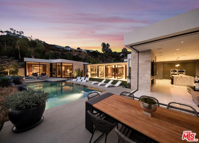 520 Leslie Lane, Beverly Hills, CA 90210 (MLS #18336358) :: Hacienda Group Inc