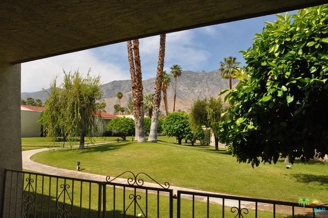 2061 S Caliente Drive, Palm Springs, CA 92264 (MLS #18337224PS) :: Deirdre Coit and Associates