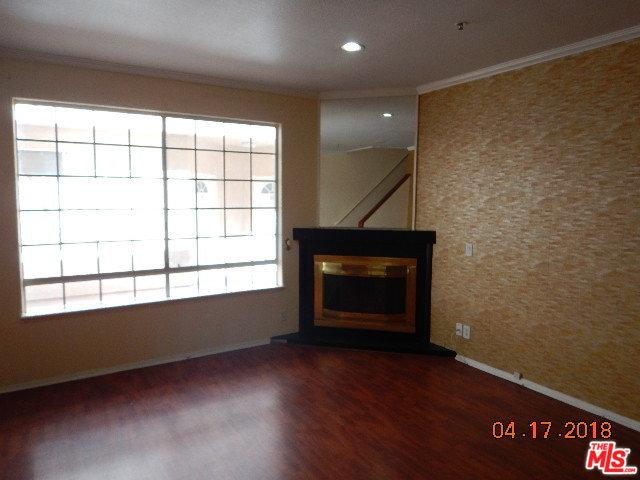 18347 Saticoy Street #35, Reseda, CA 91335 (MLS #18338144) :: Deirdre Coit and Associates