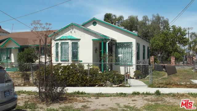 801 W 94th Street, Los Angeles (City), CA 90044 (MLS #18340720) :: Team Wasserman