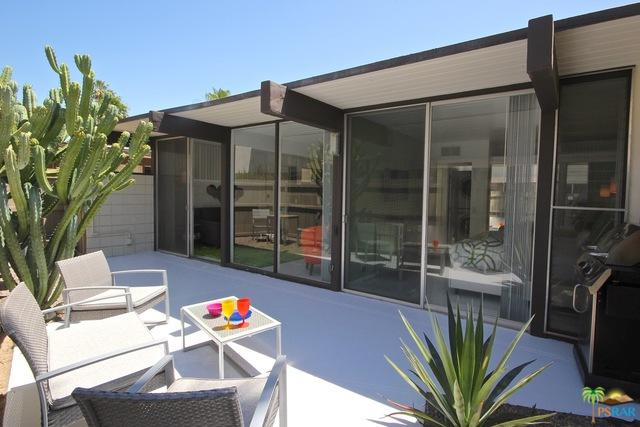 1111 E Palm Canyon Drive #308, Palm Springs, CA 92264 (MLS #18340730PS) :: Deirdre Coit and Associates