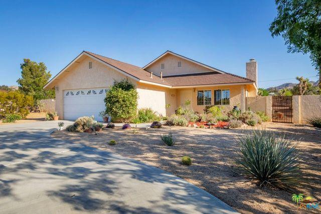 58217 Joshua Drive, Yucca Valley, CA 92284 (MLS #18341088PS) :: The John Jay Group - Bennion Deville Homes