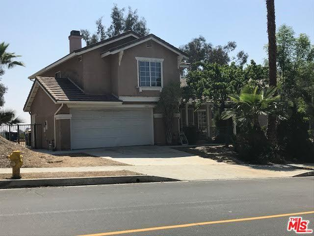 11842 Edgecliff Avenue, Sylmar, CA 91342 (MLS #18342556) :: Team Wasserman